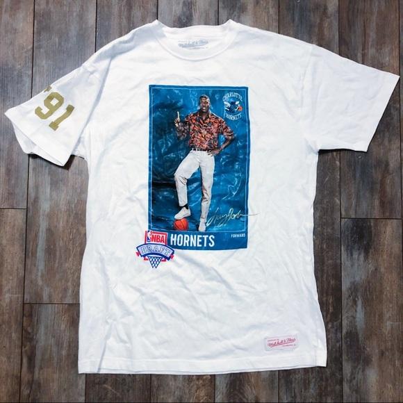 timeless design ac658 e3f24 👵🏾🏀 Larry Johnson Hornets Draft Day Photo Tee